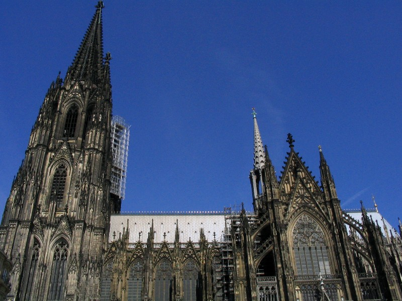 Koeln Dom: a side view